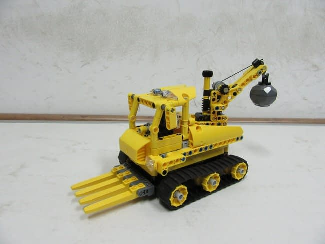 Snow Rescue Team: Snow Crane & Trimmer Vehicle