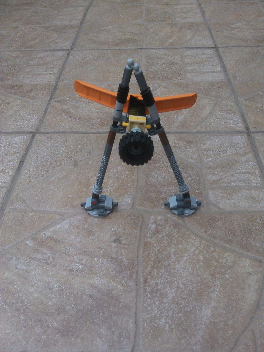 Concurs Imbinarea separatorului de caramizi – creatia 2: Robotun